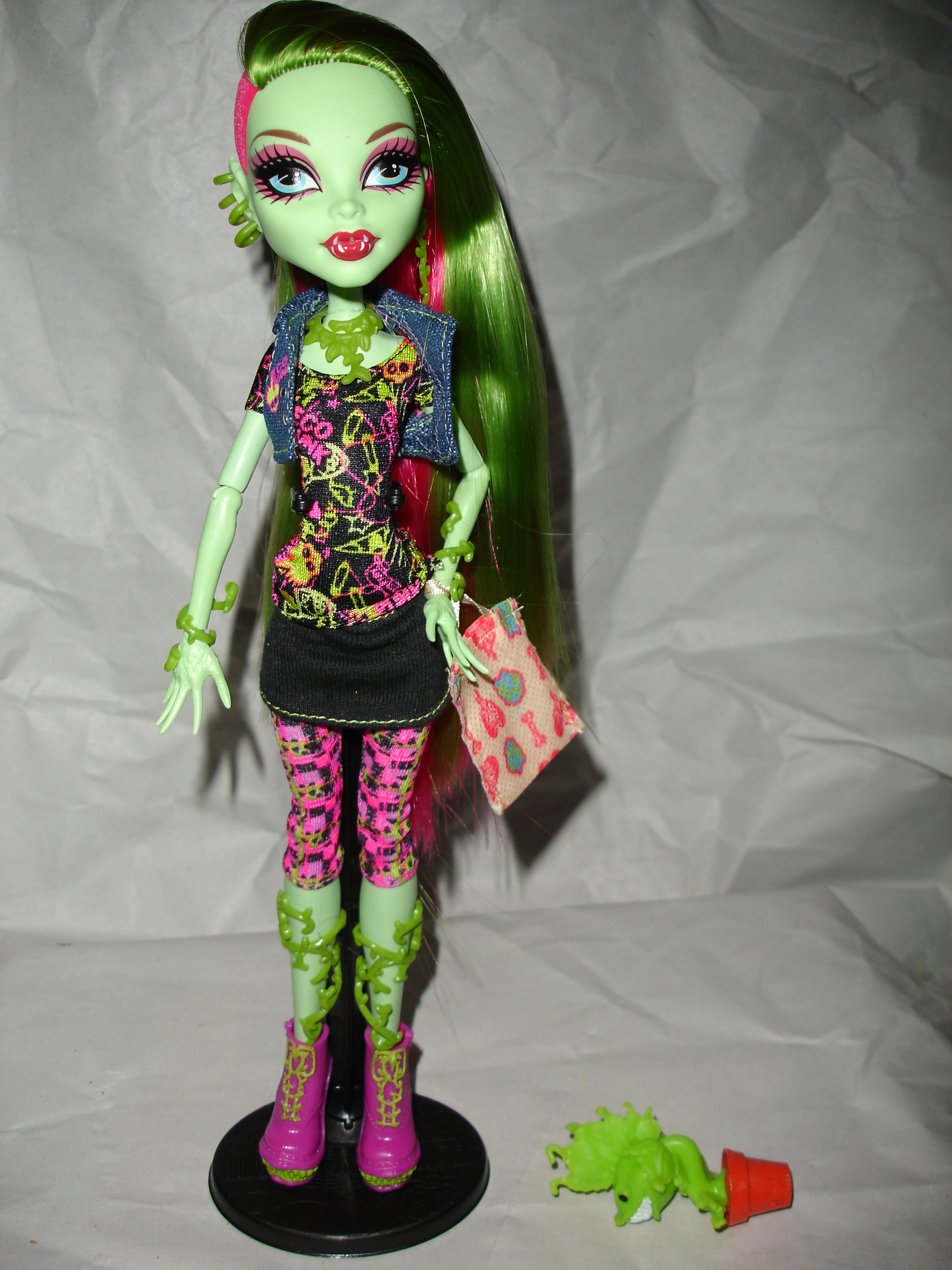 August 2012 do you like this too - Monster high venus ...
